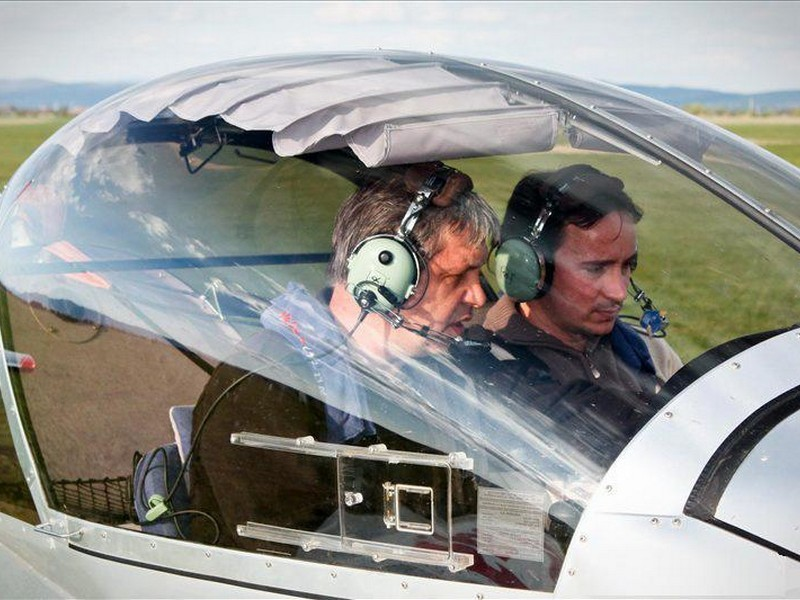 flying-lesson-with-an-airplane-in-oradea